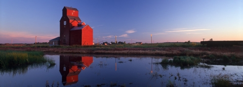 P&H Wooden Grain Elevator at Raymond, Alberta
