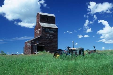 Bents Elevator and tractors, Saskatchewan