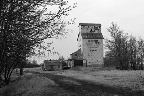 photograph of wooden grain elevator at Bardo, Alberta