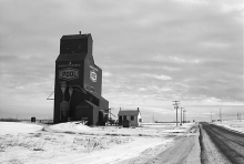 photograph of wooden grain elevator at Druid, Saskatchewan